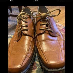 Men's Franco Vanucci brown leather shoes size 10